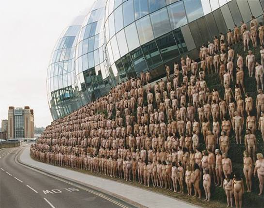 artwork_images_163258_294009_spencer-tunick